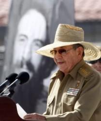 Raúl reseñó la gran ofensiva en la Sierra Maestra y la guerra de liberación primero allí y más tarde extendida a otras regiones montañosas.