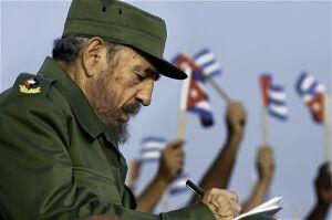 Fidel asegura que Snowden «prestó un servicio al mundo al revelar la política repugnantemente deshonesta del poderoso imperio que miente y engaña al mundo.
