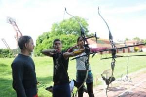 Los arqueros juveniles afinan la puntería en predios espirituanos.