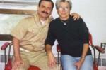Fernando junto a su madre Magali Llort.