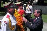 Le Hong Anh colocó una ofrenda floral ante el monumento a Ho Chi Minh en La Habana.
