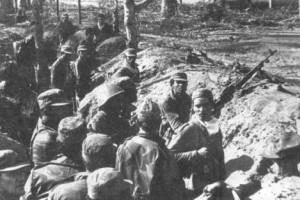 El sitial cuenta con fotos y reseñas gráficas de los 12 combatientes del territorio participantes en la acción, tres de ellos muertos.