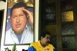 Chavez de las victorias, sigues y seguirás invicto con un pueblo leal en todas las horas, añadió Maduro.