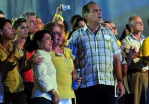 René González, los familiares de los Cinco, entre otras personalidades estuvieron presentes en la velada artística !Por nuestros Cinco Héroes, 15 años de injusticia basta!