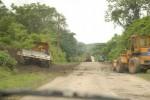 En estos viales las labores incluyen primero el bacheo, resane y recape para después verter el asfalto.