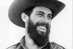 Cuando regresaba de Camagüey -en misión asignada por Fidel para neutralizar una conspiración contrarrevolucionaria-, el avión donde viajaba hacia la capital se precipitó al mar sin dejar rastro.