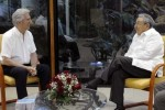 Raúl y Tabaré dialogaron sobre temas de la agenda internacional y regional.