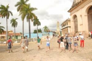 En el casco histórico trinitario se ubican decenas de hostales para el turismo.