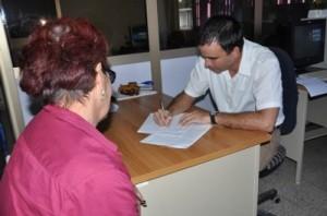 Los trabajadores por cuenta propia pueden solicitar créditos bancarios para sus negocios en la sucursal de su área de residencia.