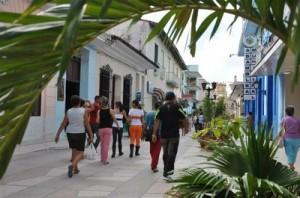 Con 463 458 habitantes, la provincia exhibe un leve crecimiento poblacional.