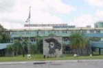 La condecoración la concede el consejo de dirección del hospital general Camilo Cienfuegos.