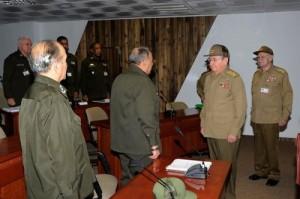 Raúl Castro visitó el Puesto de Dirección del Órgano de la Seguridad y el Orden Interior.