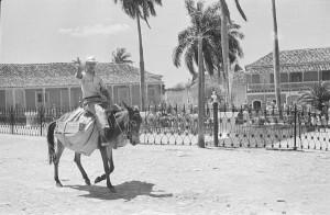 La Plaza Mayor de Trinidad ha variado muy poco su fisonomía desde la época colonial.