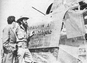 Camilo ante el primer blindado del Ejército Rebelde en Yaguajay.