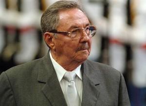 Raúl encabeza la delegación cubana a los funerales de Nelson Mandela.