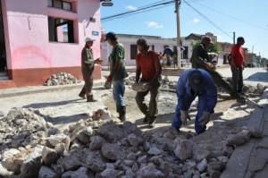 En Trinidad se rehabilitan las 36 calles de piedra que existen en la sureña villa.