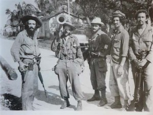 Histórica foto tomada a Camilo por Perfecto Romero en los días finales de la batalla de Yaguajay.