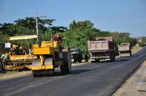 Se trabaja en las carreteras de acceso a Trinidad.