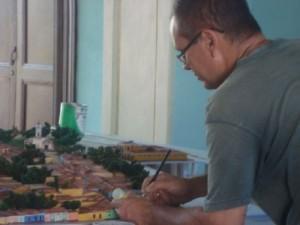 Para Lázaro Eduardo, uno de los maquetistas, ha resultado una experiencia muy interesante.