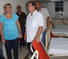 José Ramón Monteagudo Ruiz, Primer secretario del Partido en Sancti Spíritus, presidió la entrega de las salas de Medicina y de Puerperio Quirúrgico en el hospital provincial Camilo Cienfuegos.