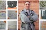 Tony, junto a algunos de sus dibujos en la cárcel de Marianna, Florida.