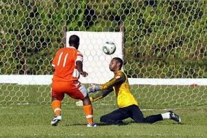 El gol tempranero de Roberto Linares fue el único del partido inaugural del 99 Campeonato Nacional de Fútbol. (Foto: Carolina Vilches Monzón)