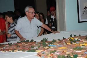 Eusebio Leal Spengler, director de la Red de Oficinas del Historiador y del Conservador de las Ciudades Patrimoniales, especialmente invitado al cumpleaños de Trinidad.