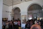 La exposición de Yudit Vidal Faife se suma al homenaje de los artistas trinitarios.