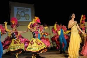 La gala devino homenaje de los artistas trinitarios a la tercera villa de Cuba.