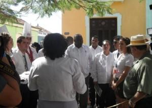 Lazo durante un intercambio con los participantes en el Primer Festival de Arte Culinario.