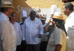El Presidente de la Asamblea Nacional del Poder Popular compartió con los trabajadores de La Canchánchara.