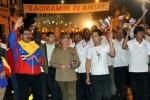 Raúl y varios mandatarios de la región encabezaron la Marcha de las Antorchas.