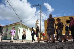 La historia de cinco siglos de Trinidad no solo enriquece la particular idiosincrasia de por estos lares, sino que también deviene su principal atractivo turístico.