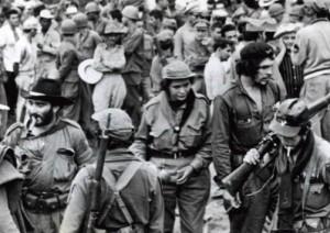 Victor Bordón, a la izquierda,  junto al Che en fomento.