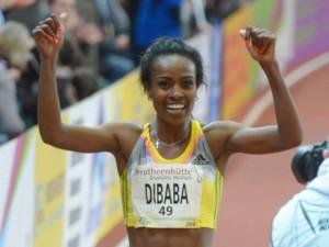 Genzebe Dibaba quebró la marca mundial de las dos millas bajo techo.