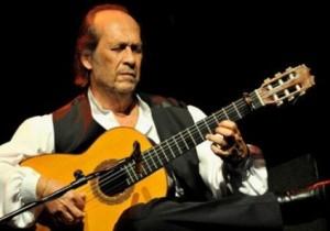 Paco de Lucía había estado en Cuba, en octubre de 2013, invitado por el maestro Leo Brouwer para participar en el Festival de Música de Cámara que él organiza en La Habana.