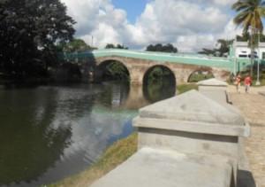 Yayabo nace a un lado de Caballete de Casa y se extiende por casi 37 kilómetros hasta la presa Zaza.