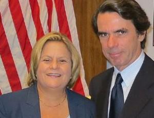 Ileana Ros y el expresidente de España José María Aznar, un fiel servidor de la mafia anticubana.