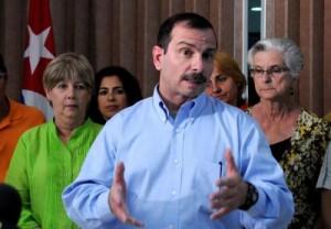 A esta felicidad le falta un pedazo, afirmó poco después de pisar tierra cubana el antiterrorista Fernando González.
