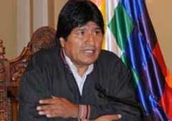 Morales expresó que si el FMI quiere preocuparse de la economía, que se ocupe de resarcir los daños que hicieron durante 20 años los gobiernos neoliberales.