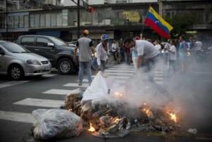 La derecha ha hecho cuanto ha podido para desestabilizar el proceso revolucionario que se desarrolla en venezuela.