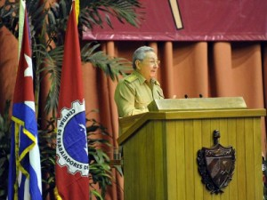 Raúl durante la clausura del XX Congreso de la Central de Trabajadores de Cuba.