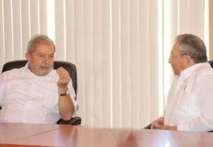 Recorrieron Raúl y Lula la Terminal de Contenedores del Mariel.
