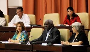 Presidencia de la Asamblea Nacional del Poder Popular durante la Primera Sesión Extraordinaria de la Octava Legislatura del órgano de gobierno.