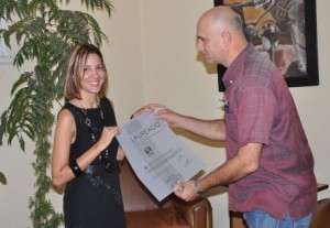 Dayamis resultó la Laureada de la Calidad en el 2013 y  se alzó también con una importante mención en el Premio Anual de Periodismo Juan Gualberto Gómez.