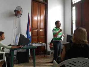 Enrique Ojito expuso su experiencia en el teratamiento del caso de los Cinco.