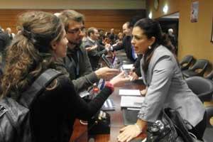 Adriana: El presidente Barack Obama, premio Nobel de la Paz, puede ejercer su derecho constitucional y poner en libertad a estos cubanos.