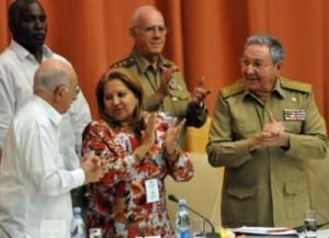 Raúl Castro presidió la sesión de clausura del IX Congreso de la FMC.