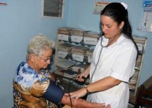 Los médicos de la familia están capacitados para resolver el 70 por ciento de los problemas sanitarios de la comunidad.