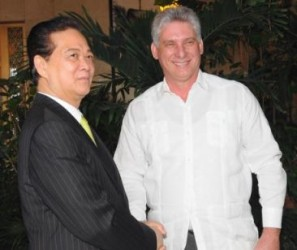 Ambos dirigentes intercambiaron sobre los procesos de desarrollo socio-económico que se llevan a cabo en Vietnam y Cuba.